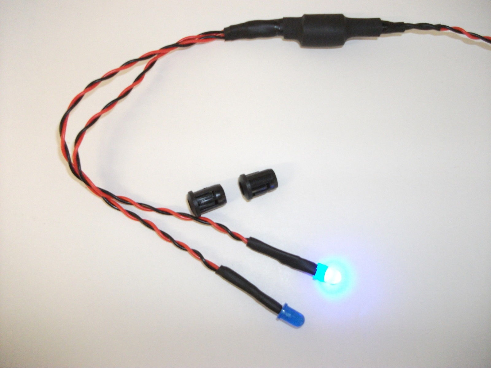 CHOOSE YOUR FLASH INTERVAL 5mm BATTERY POWERED FLASHING WHITE LED